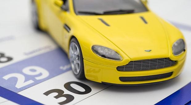 Stichtag 30. November:  Millionen Autobesitzer kündigen zu diesem Termin, um die Kfz-Versicherung zu wechseln.