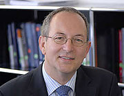 Prof. Dr. Ottmar Schneck, Lehrstuhl für Banking, Finance & Rating, European School of Business (ESB) an der Hochschule Reutlingen, Gründer der Prof. Dr. Schneck Rating GmbH