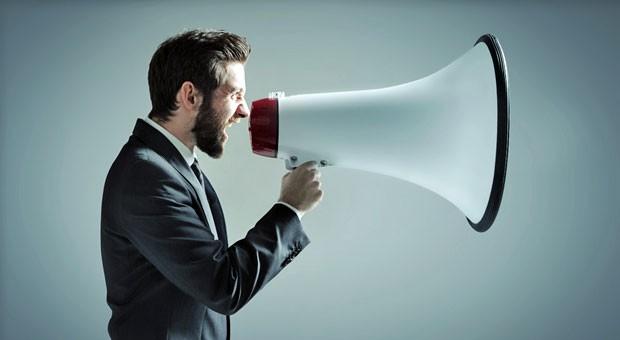 Spätestens wenn Ihre Mitarbeiter sich nur noch per Megafon unterhalten können, sollten Sie darüber nachdenken, wie Sie den Lärm im Büro reduzieren können.