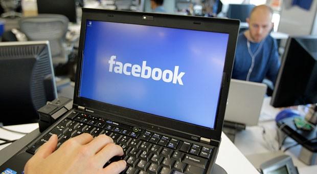 Ehe Sie Ihren Mitarbeitern erlauben, im Büro Facebook zu nutzen, sollten Sie Social Media Guidelines erstellen.