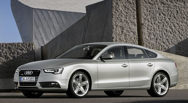 So ein schicker Audi ist nicht billig. Gut, dass man ihn als Firmenwagen steuerlich absetzen kann ...