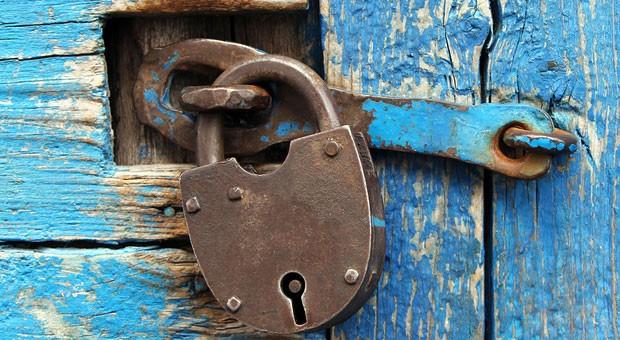 Ein Vorhängeschloss hilft Ihnen wenig für die Datensicherheit. Setzen Sie lieber auf unsere Tipps.