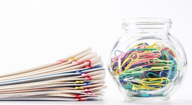 Alle Unterlagen fein säuberlich zusammenstellen - auch das gehört bei der Vorbereitung einer Betriebsprüfung dazu.