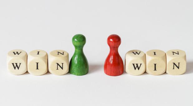 Mediation in Unternehmen ist eine win-win-Situation für alle Parteien. Schon allein, weil der Streit nicht in einem nervenaufreibenden Gerichtsprozess eskaliert.