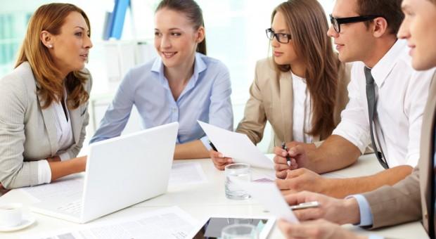Vor allem junge Gründer arbeiten gerne im Team