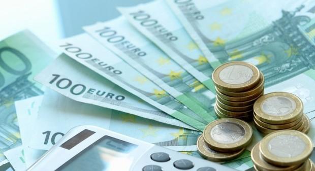 Geld, Münzen, Taschenrechner