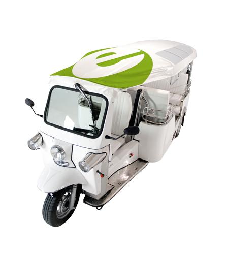 Die neuen Gefährte auf Berlins Straßen sehen aus wie die stinkenden Tuktuks in Asien, fahren aber mit Strom.