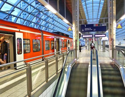 Verkehrsminister Ramsauer will Bahnhöfe aufhübschen