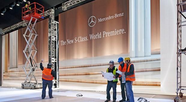 Vorbereitungen für die Präsentation der neuen Mercedes S-Klasse in Hamburg.
