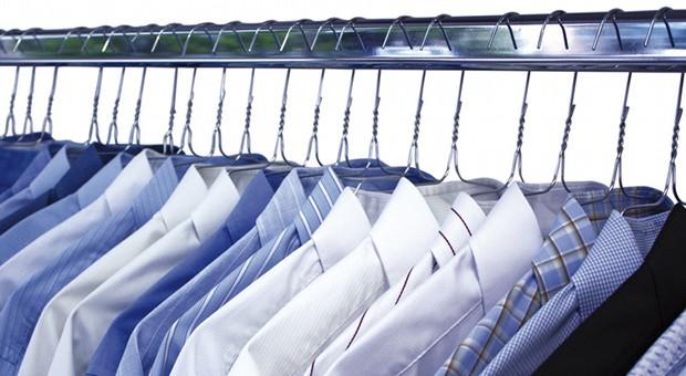 Viele Unternehmer geben ihre Berufskleidung in die Wäscherei