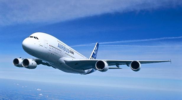 Ein A380 in der Luft.