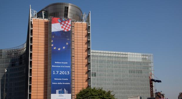 Ein Banner zum EU-Beitritt Kroatiens am 1. Juli 2013.