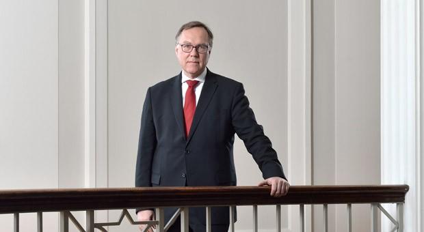 Als Präsident des Bundesfinanzhofs ist Rudolf Mellinghoff so etwas wie der oberste Steuerrichter des Landes. Zuvor war er elf Jahre lang Verfassungsrichter.