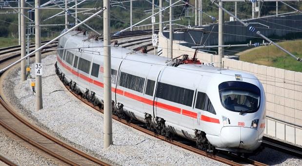 Ein ICE der Deutschen Bahn
