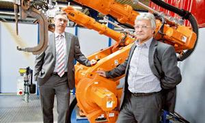 Griwe-Geschäftsführer Jan Meyer (l.) und Werkleiter Roman Löw (r.)