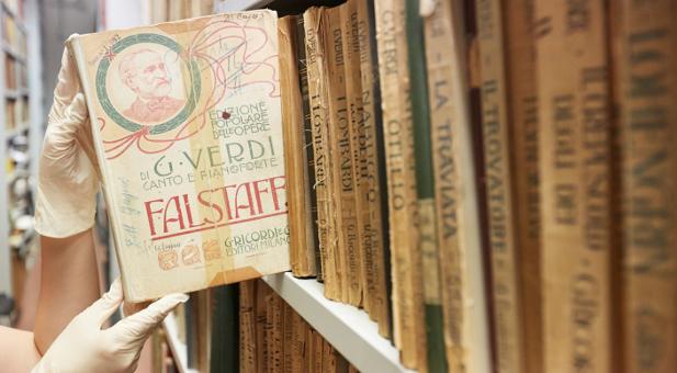 Eine gedruckte Ausgabe des Falstaff, verlegt bei der Casa Ricordi.