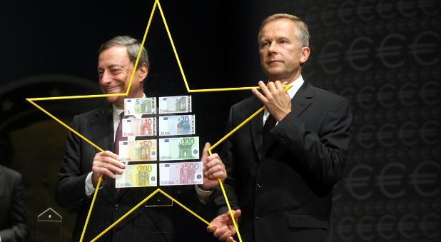 EZB-Chef Mario Draghi und Ilmars Rimsevics, Direktor der lettischen Zentralbank.