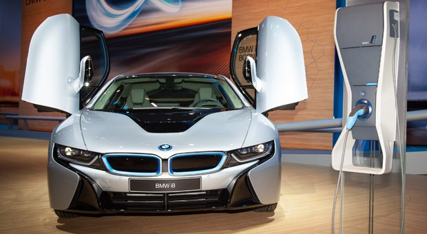 Das neue Aushängeschild von BMW: der Hybridsportwagen i8 mit Dreizylinder-Turbo und Elektromotor.