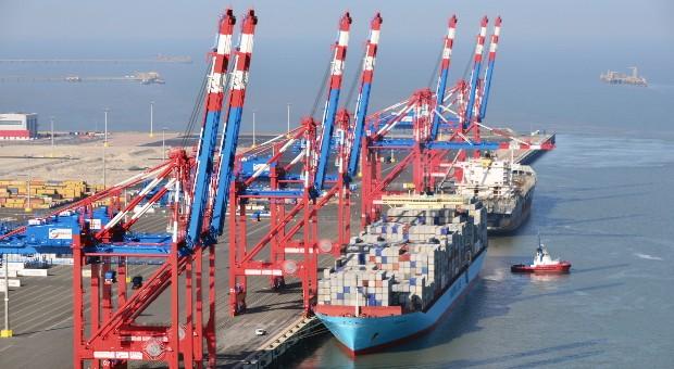 Der JadeWeserPort aus der Luft fotografiert.
