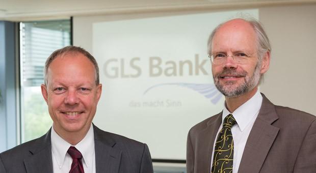 Die beiden Vorstandsmitglieder der GLS Bank, Thomas Jorberg (r.) und Andreas Neukirch