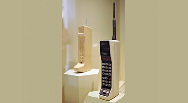 Mehr Knochen als Handy: Das DynaTAC 8000x