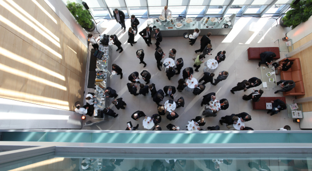 Im Rahmen der Konferenz wurden verschiedene Workshops angeboten. In den Pausen trafen sich die Teilnehmer zu Gesprächen im Foyer der Bertelsmann Repräsentanz.