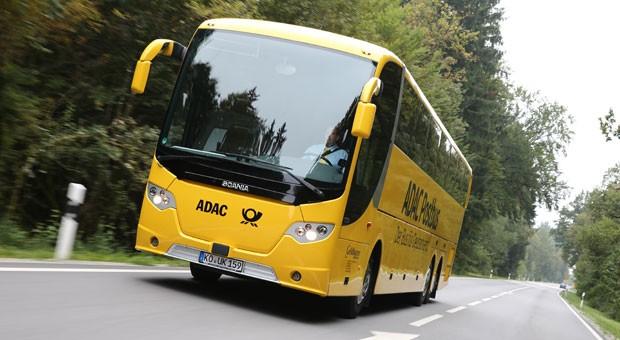 Der ADAC Postbus rollt ab dem 1. November auf Deutschlands Straßen.