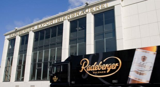 Die Brauerei in Radeberg: Der Vorstandssprecher des größten deutschen Bierproduzenten, Erlfried Baatz, muss nach nur vier Monaten gehen.