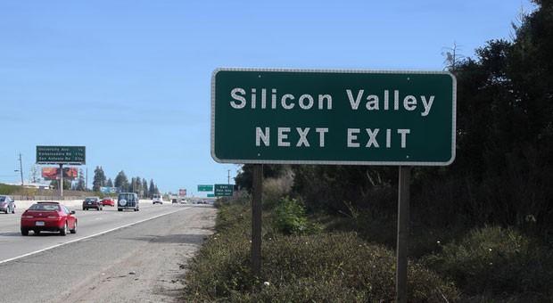 Die Autobahnabfahrt zum Silicon Valley in Kalifornien, USA.