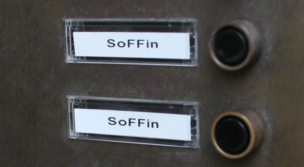 Klingel am Gebäude der für den Soffin zuständigen Bundesanstalt für Finanzmarktstabilisierung in Frankfurt.