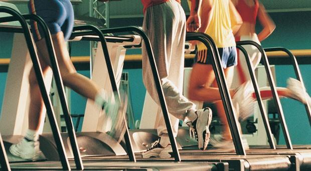 Sportler auf del Laufband