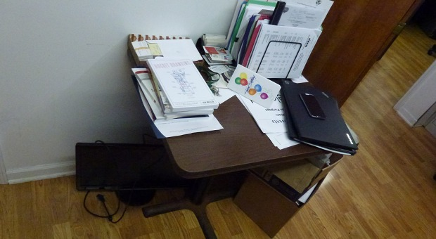 Je kleiner, desto besser: Nick Sarillos Schreibtisch