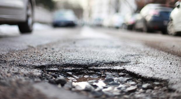 Viele Straßen in Deutschland sind marode