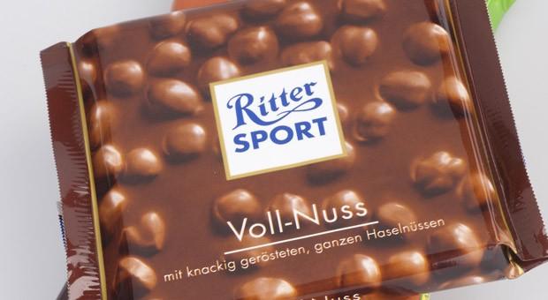 """Tester haben in der Ritter Sport Voll-Nuss den Aromastoff Piperonal nachgewiesen und die Schokolade deshalb mit """"mangelhaft"""" bewertet."""