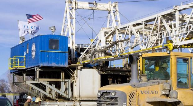 Ein Bohrbetrieb von Tekton Energy: Die US-Tochter der Deutschen Rohstoff AG, will Öl- und Gasvorkommen in den USA erschließen.