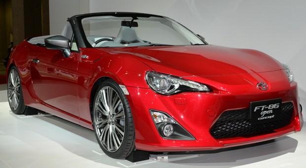 Roter Flitzer: Toyota hat in Tokio eine Konzeptstudie seines Sportwagen-Modells FT 86 vorgestellt.