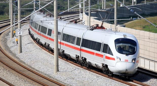 ICE der Deutschen Bahn: Reisen ins benachbarte Ausland sind mit dem Zug oft billiger.