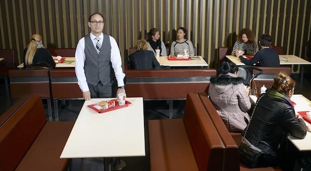 Oliver Mix in einer seiner McDonald's-Filialen in Berlin