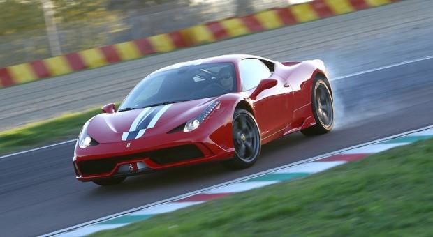 Kraftvoll, dynamisch, schnell: der neue Ferrari 458 Speciale.