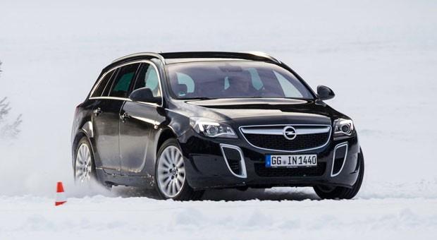 Macht noch mehr Spaß als sein Vorgänger: der neue Opel Insignia Sports Tourer OPC.