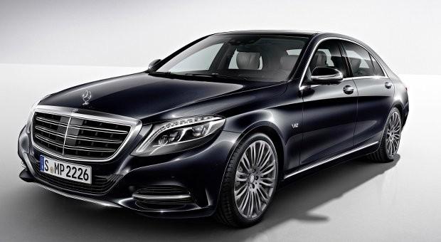 Kombiniert Kraft und Luxus: der neue Mercedes S600.