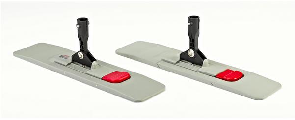 PLATZ 3: Ein Magnetklapphalter der SPRiNTUS GmbH aus Weissach (l.). Rechts das Plagiat, das durch einen deutschen Anbieter vertrieben werden soll.