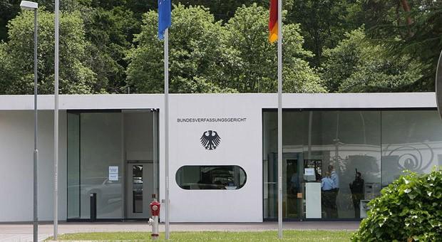 Der Dienstsitz des Bundesverfassungsgerichts in Karlsruhe während der Renovierung des Hauptsitzes im Schlossbezirk.