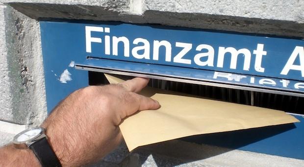 Finanzamt Erklärung abgeben Steuern Steuersünder Selbstanzeige