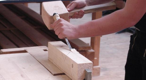 Studienabbrecher sollen für handwerkliche Berufe begeistert werden.