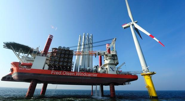Eine Windenergieanlage des neuen Offshore-Parks in der Nordsee.