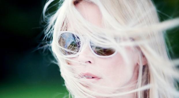 Auch in Zusammenarbeit mit Claudia Schiffer verkauft Rodenstock seine Brillen.