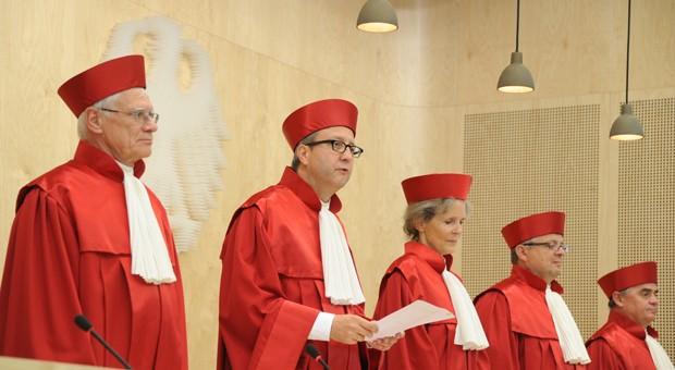Verfassungsgerichtspräsident Andreas Vosskuhle und weitere Richter des zweiten Senats.