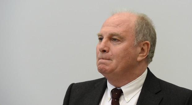 Das Landgericht München hatte Uli Hoeneß im März zu einer Haftstrafe von drei Jahren und sechs Monaten verurteilt.