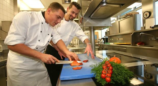 Deutschlands Gastronomiebetriebe plagen Nachwuchssorgen.